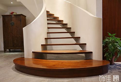 简约实木楼梯